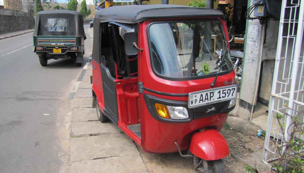 tuk-tuk-Rent-Sri-Lankar